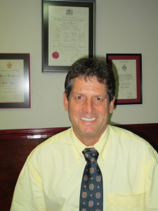 Robert Yearwood, MD, MBBS, FRCS, DM-Surgery, FCCOS Urologist and Surgeon