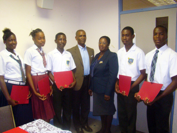Scholarship recipients with President of GHA and Education PS