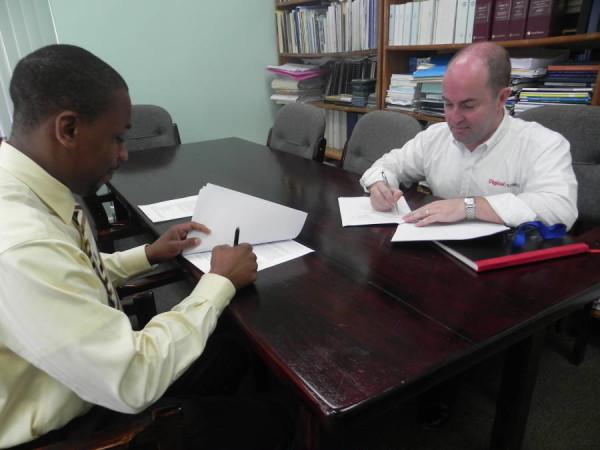 Digicel GPS Signing (1)