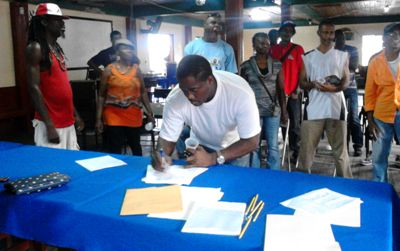 Calypsonians signing resolution to form one body