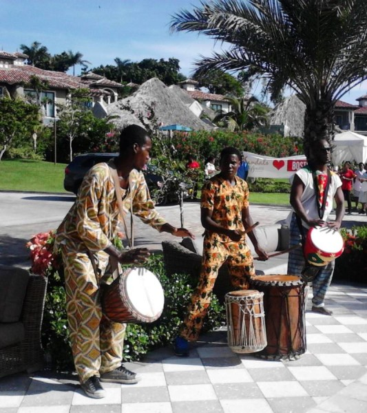 Drumming Welcome To Sandals LaSource