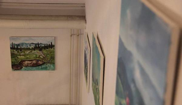 Artwork (left) by Suelin Low Chew Tung produced at Velika Planina, at the recent exhibition at the Kamnik community house, Slovenia. Photo by Lojze Kalinsek.