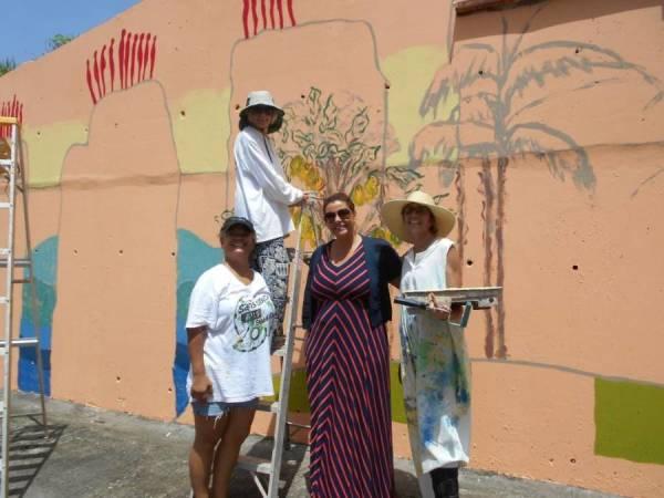 Minister Alexandra Otway-Noel visits the wall
