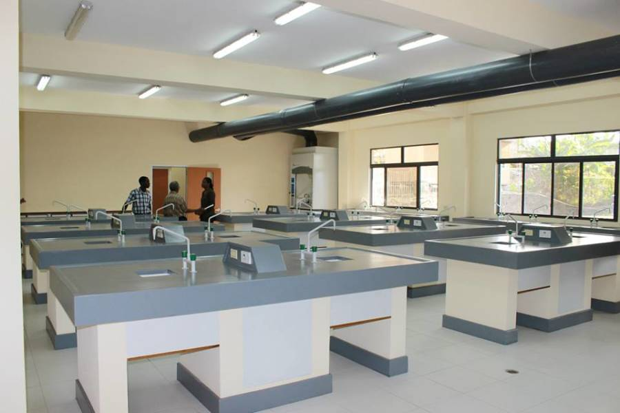 Lab in new wing. Photo by A Moore