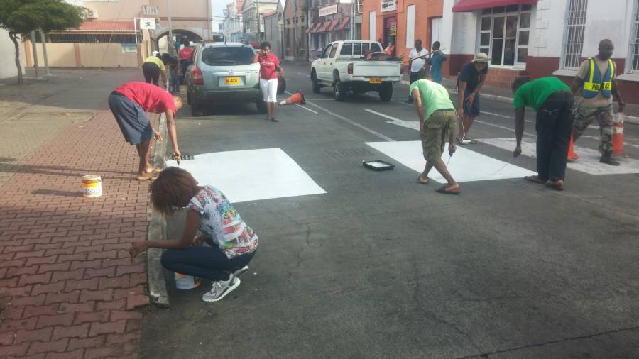 Pedestrian Painting in Melville Street