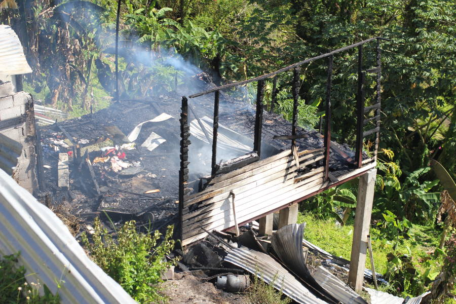 Fire at Richmond HIll. Photo by Prensnelo