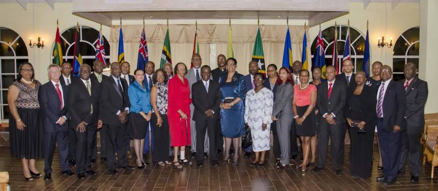 Group photo of Participants with Government and Head of State