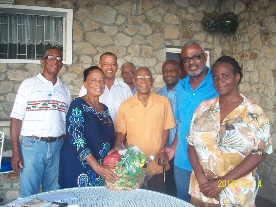 the executive and senior members of the Willie Redhead Foundation paid a courtesy call on Mr Arnold Cruickshank CBE, a retired member and former director of the Foundation at his Old Fort Home, to convey Yuletide greetings and to wish him well.