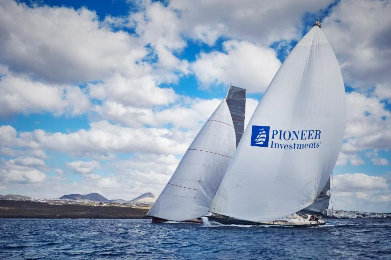 Jean-Paul Riviere's Finot 100, Nomad IV and the Southern Wind 94, Windfall enjoy a close battle at the start  © RORC/James Mitchell